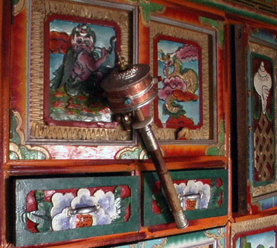 ручной молитвенный барабан